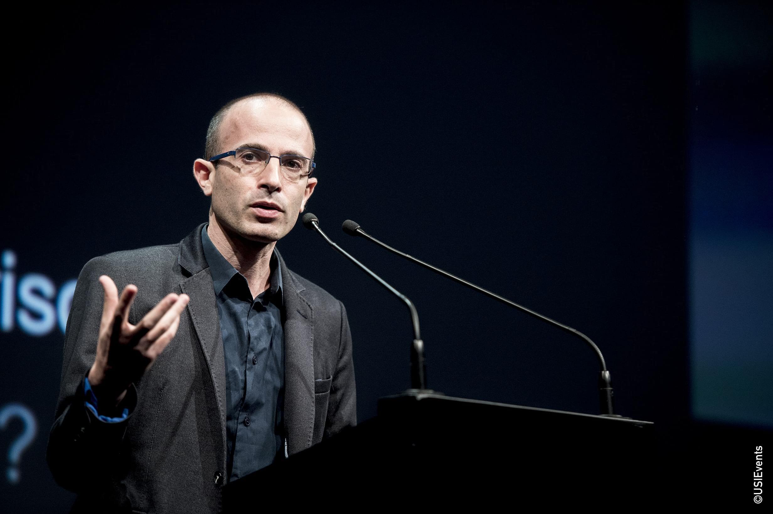 """Yuval Harari à la conférence USI pour son talk """"Homo Sapiens - Comment les humains ont conquis le monde"""""""